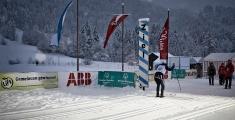 Special Olympics GaPa 2013 - Skilanglauf - 152 Alexander Englisch im Ziel  - das Ende des 7,5km Laufes dauerte bis in die Dammerung