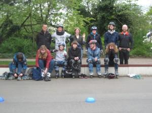 Das Rollerskating Team der Helen-Keller-Schule trainiert für die Special Olympics Düsseldorf 2014 (Foto: HKS)