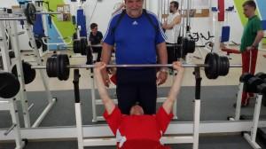 Wolfgang Gunzelmann beim Training im Fitnessstudio. (Foto: privat)