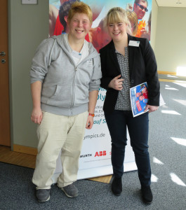 Daniela Huhn, SOD-Athletenbloggerin (links) und Laura Hardy, Gesicht der Special Olympics Hannover 2016, beim Medientag in Hannover (Foto: privat)